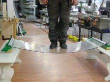 3-Antero_(132 kg)_testaa_Jokke-parvekelasituksen_kestävyyttä.jpg